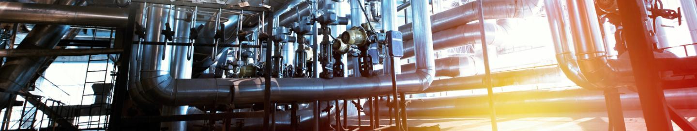 Puesta de sol en una fábrica